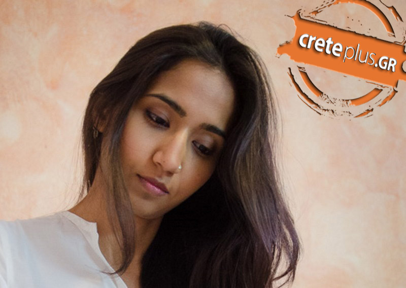 Η σχεδιάστρια μόδας από την Ινδία που κάνει «θραύση» στην Κρήτη με το «Κοπανέλι» (pics)