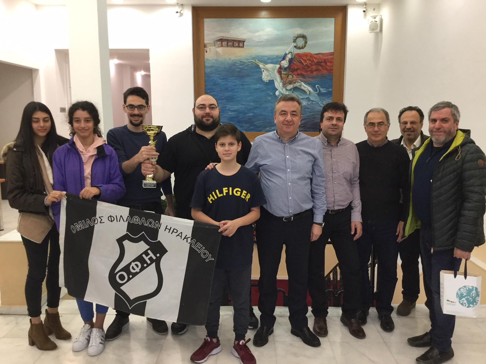 Συνάντηση Περιφερειάρχη με την ομάδα σκάκι του ΟΦΗ.