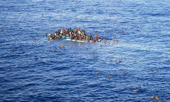 Μεγάλη τραγωδία: Φόβοι για δεκάδες νεκρούς πρόσφυγες σε ναυάγιο