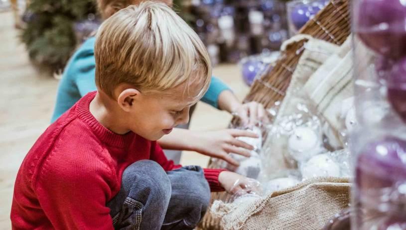 Παιδί κάλεσε την αστυνομία επειδή… δεν του άρεσαν τα δώρα του!