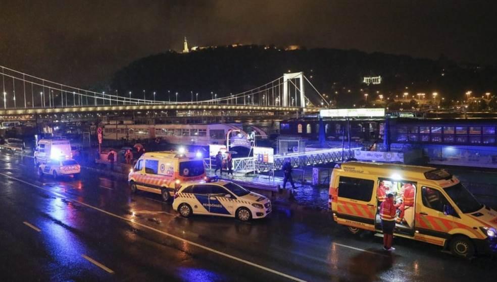 Τραγωδία στο Δούναβη: Νεκροί και αγνοούμενοι, μετά τη βύθιση ποταμόπλοιου