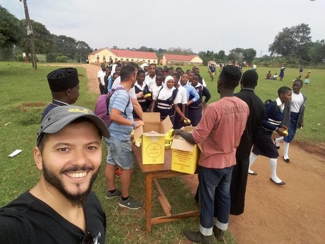 Οι Ηρακλειώτες που μοιράζουν αγάπη και τρόφιμα στα παιδιά της Ουγκάντα (φωτο)