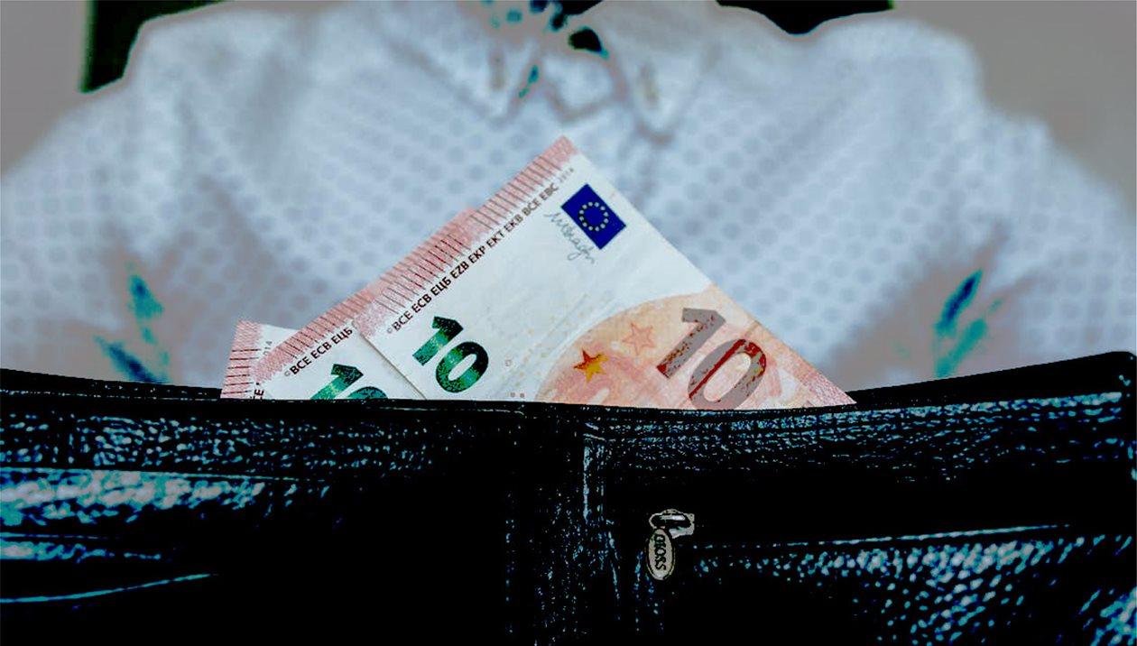 Συνταξιούχοι διεκδικούν αναδρομικά αποδοχές που στερήθηκαν σε βάθος 5ετίας