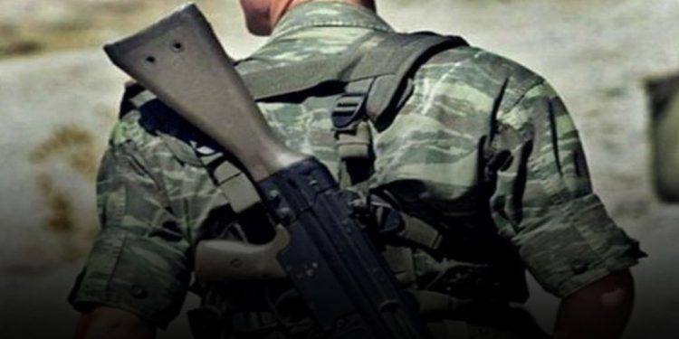Σπαρακτικές μαντινάδες για τον χαμό του 22χρονου στρατιώτη