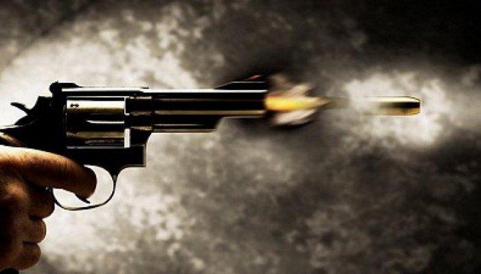 """Συνελήφθη 41χρονος που """"γάζωσε"""" με σφαίρες νεαρό άνδρα"""