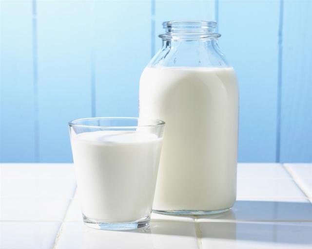 Κρήτη: Ζήτησαν αυστηρούς ελέγχους στο γάλα