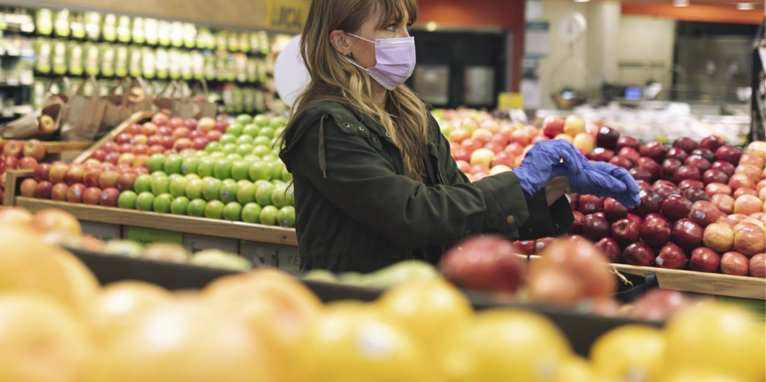 Καθηγήτρια Μικριοβιολογίας: Τι πρέπει να κάνουμε με τρόφιμα & ψώνια από σούπερ μάρκετ