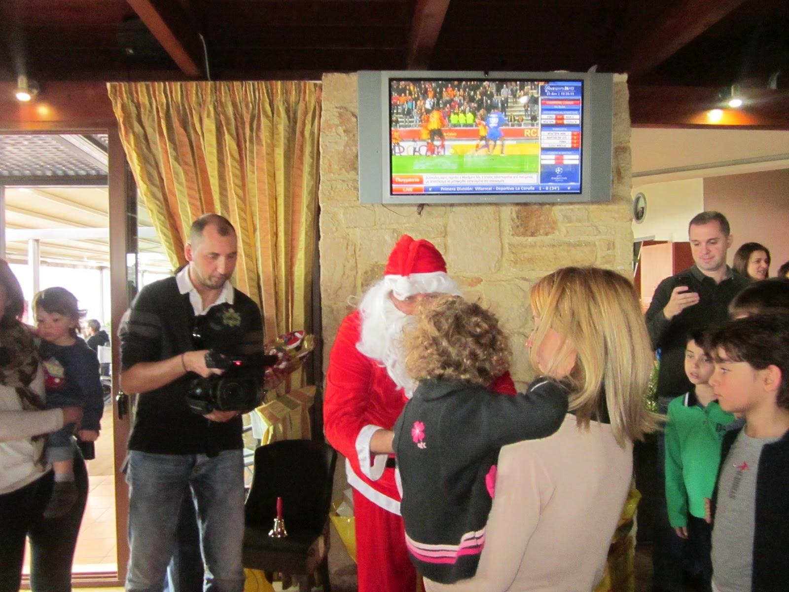 Χριστουγεννιάτικη γιορτή για τα παιδιά των δημοσιογράφων των Χανίων