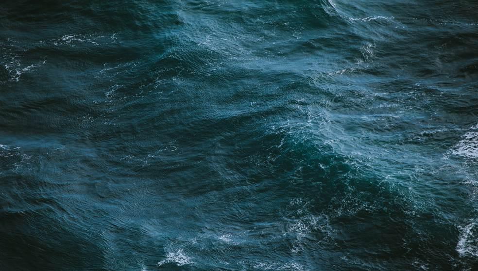 Σκόρπισαν την τέφρα του Καθηγητή στο Κρητικό Πέλαγος - Εκπληρώθηκε η τελευταία του επιθυμία