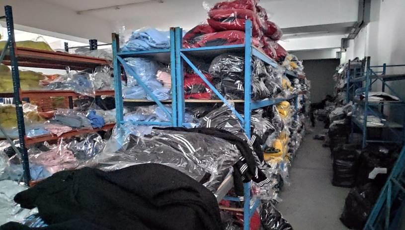 «Μαϊμού» ρούχα κατασχέθηκαν σε Χερσόνησο και Μάλια