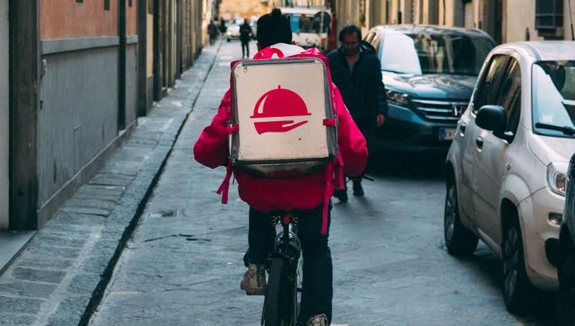 Προβληματισμός από την αύξηση των τροχαίων με εμπλοκή οδηγών - delivery