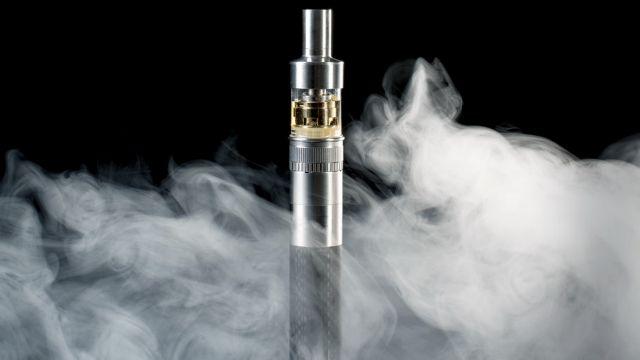 ΗΠΑ: Ο πρώτος θάνατος που συνδέεται με την χρήση ηλεκτρονικού τσιγάρου