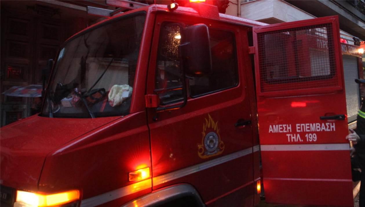 Συναγερμός στην Πυροσβεστική - Φωτιά σε συνεργείο αυτοκινήτων