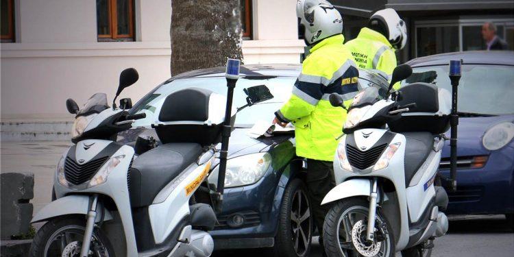 Η Δημοτική Αστυνομία στη «μάχη» κατά του κορωνoϊού