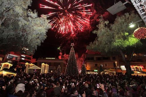 """Aνάβουν τα φώτα της γιορτής στο """"Χριστουγεννιάτικο Κάστρο"""""""