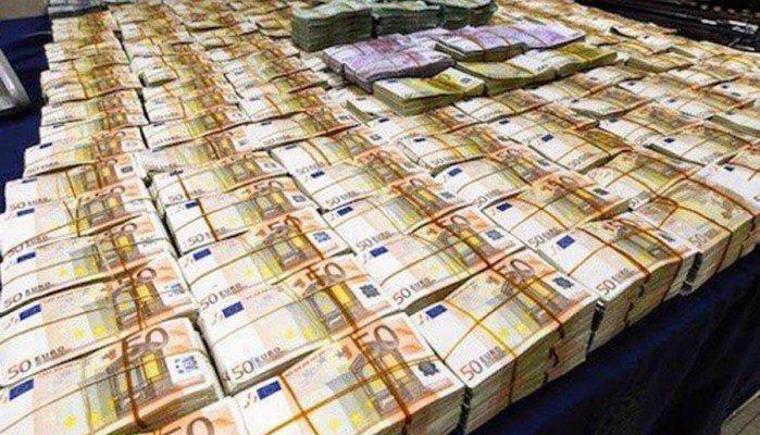 Βρέθηκαν 19.000.000 ευρώ μετρητά σε σπίτι που ανήκουν σε πολιτικό του ΠΑΣΟΚ