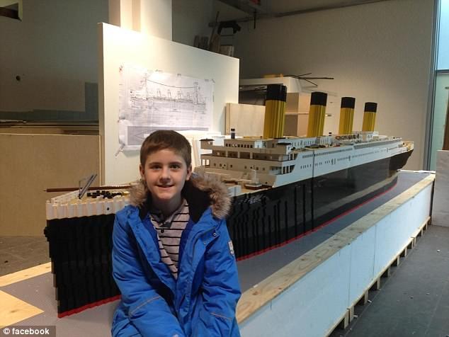 15χρονος με αυτισμό έφτιαξε τον Τιτανικό με τουβλάκια Lego (φωτο)