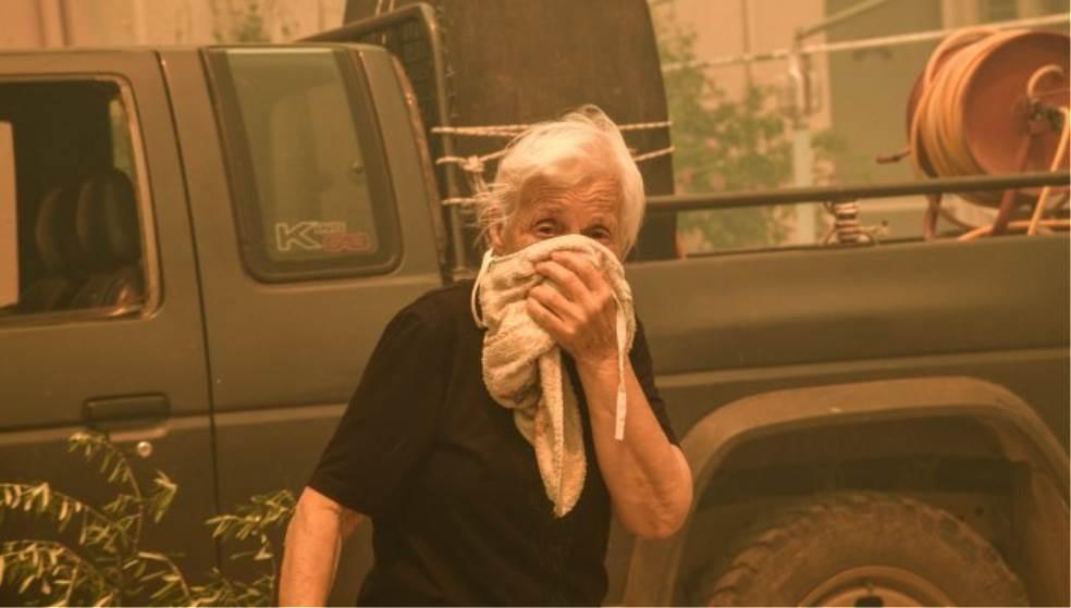 Φωτιά στην Εύβοια: Συγκλονίζουν οι εικόνες από την εκκένωση στο Κοντοδεσπότι