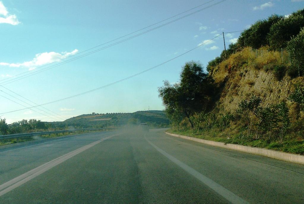 Ηράκλειο  «Κινούμενο μαύρο νέφος στην εθνική οδό» (pics) b1e0f6b0541