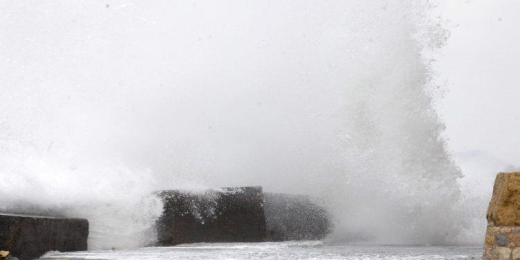 Ισχυροί άνεμοι στην Κρήτη – Το λιμεναρχείο… προειδοποιεί
