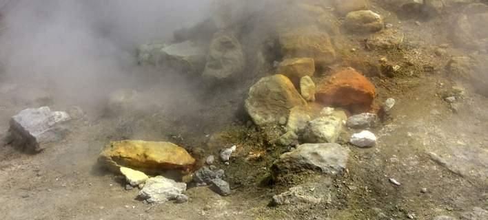 Αυτή είναι η μητέρα και το παιδάκι της που τους ρούφηξε το ηφαίστειο στην Ιταλία (pics)