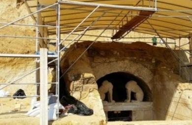Γιατί οι αρχαιολόγοι φοβούνται ότι ο τάφος έχει συληθεί;