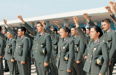 Ανατροπές στις στρατιωτικές σχολές λόγω... πολυτεκνων