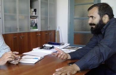 Συνάντηση Δαμαβολίτη - Κεγκέρογλου για τις περικοπές στα επιδόματα ατόμων με αναπηρία