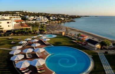Προετοιμάζονται για… τσουνάμι σε ξενοδοχείο στο Ηράκλειο!