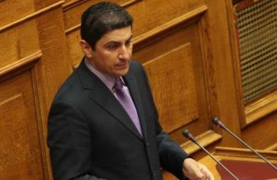 Αυγενάκης: Με θλίψη πληροφορήθηκα το θάνατο του αγαπημένου μου δασκάλου, Σήφη Κοσόγλου