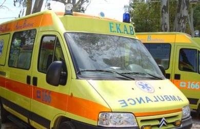 Τρίκυκλο συγκρούστηκε με αυτοκίνητο στα Καπαριανά - Ένας τραυματίας