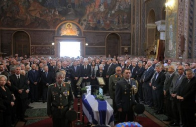 Είπαν το τελευταίο αντίο στον πρώην υπουργό του ΠΑΣΟΚ Γιάννη Χαραλαμπόπουλο