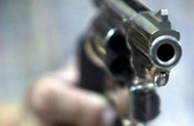 Χειροπέδες στον 71χρονο που πυροβόλησε και τραυμάτισε άνδρα
