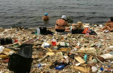 Λευτέρης Αυγενάκης: Φαύλος κύκλος της πλαστικής ρύπανσης