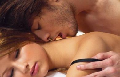Νέα έρευνα: Σε ποιά ηλικία «επιτυγχάνεται» το καλύτερο σεξ;