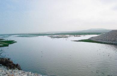 Ψάρευαν παράνομα στη λίμνη Κάρλα