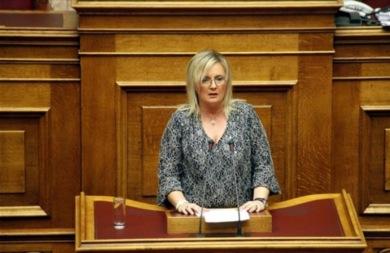 Η Στ. Ξουλίδου επιβεβαιώνει τον Καμμένο: Σε εμένα πρόσφεραν 3 εκατ. ευρώ για να ψηφίσω ΠτΔ