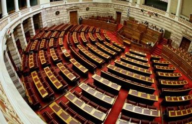Τροπολογία επιτρέπει τις δημοσκοπήσεις σε όλη την προεκλογική περίοδο