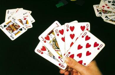 Ο «Θανάσης»... στέλνει έξι Ρεθυμνιώτες χαρτοπαίκτες στον Εισαγγελέα!