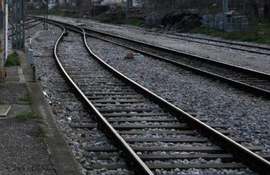 Τρίκαλα: 40χρονος έχασε την ζωή του όταν παρασύρθηκε από τρένο