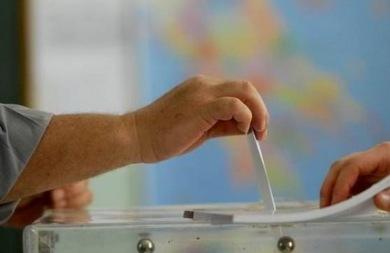 Μπροστά ο ΣΥΡΙΖΑ με 3,5% σύμφωνα με δημοσκόπηση της Pulse