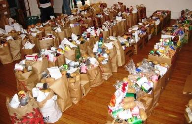 Η διανομή τροφίμων αξίας πολλών χιλιάδων ευρώ συνεχίζεται για τη στήριξη εκατοντάδων Ηρακλειωτών που έχουν ανάγκη