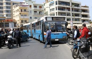 Διαμαρτυρία των εμπόρων του Ηρακλείου για τις στάσεις των λεωφορείων!