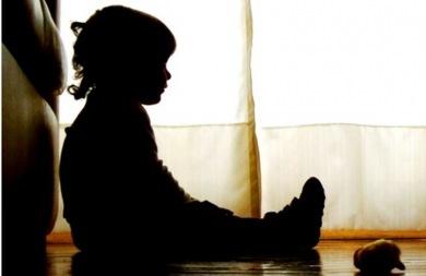 Σοκ: Υιοθέτησε παιδιά και τα κακοποιούσε σεξουαλικά!