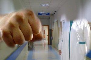 Μπουνιές στο Βενιζέλειο... ήρθε στα χέρια με το γιατρό λόγω της αναμονής!