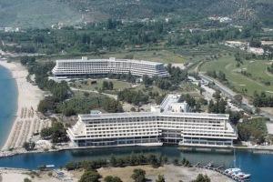 Απέλυσαν 58 υπαλλήλους του «Πόρτο Καρράς» παραμονή Πρωτοχρονιάς