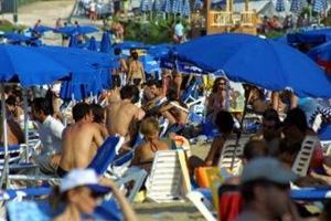 «Όχι νέα εμπόδια στον τουρισμό »