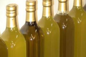 Πράξη αλληλεγγύης στην Ιεράπετρα-Ένα μπουκάλι λάδι σε κάθε άνεργο!