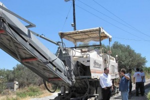 Εργασίες αποκατάστασης σε σημαντικούς δρόμους του Ηρακλείου (pics)